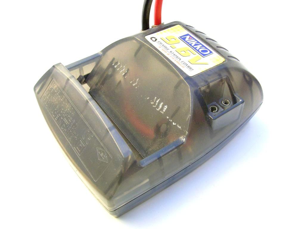 adaptateur de batterie cassette pour chargeur nikkomania. Black Bedroom Furniture Sets. Home Design Ideas
